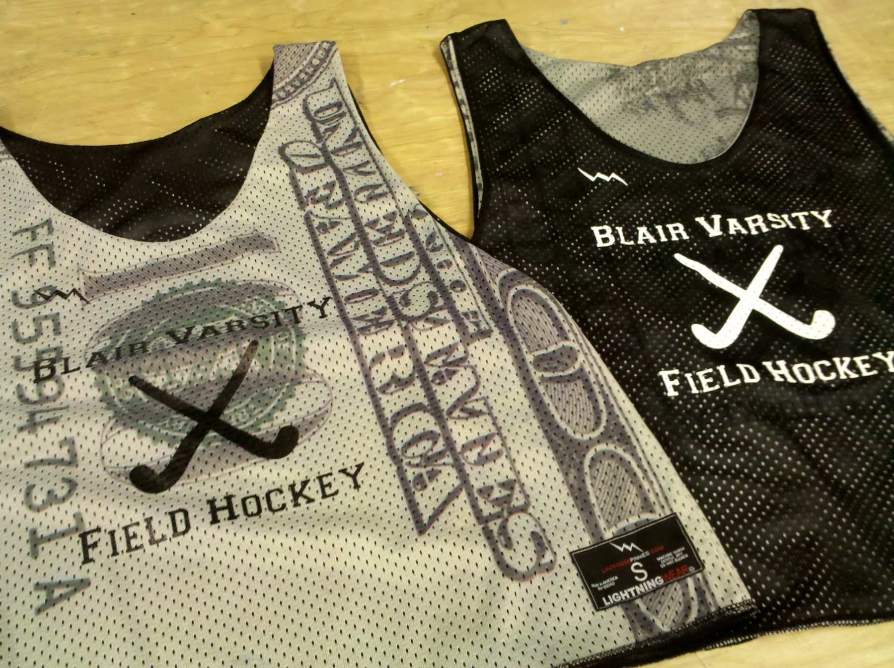 money field hockey pinnies