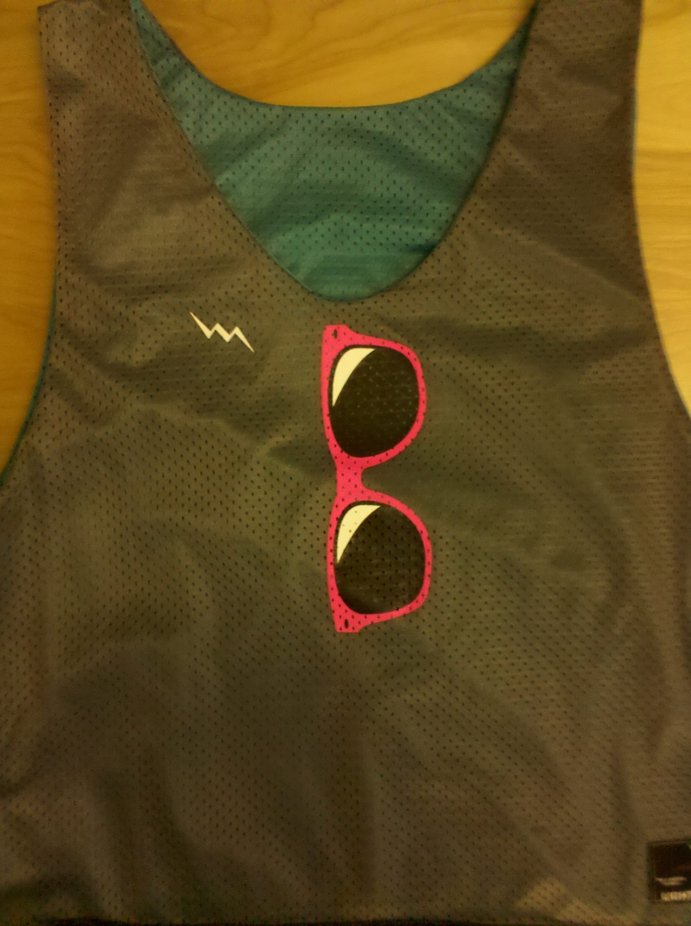 sunglass pinnies