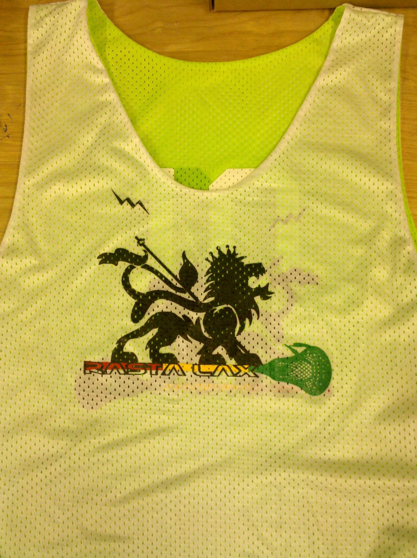 rasta lax pinnie