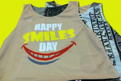 happy smile day pinnies