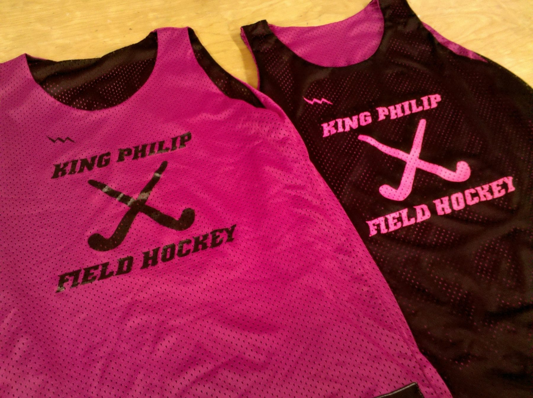 king philip pinnies